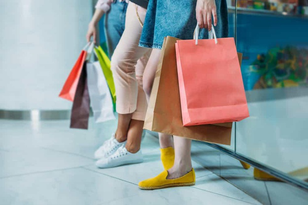 Several ways to shop with a spending budget...